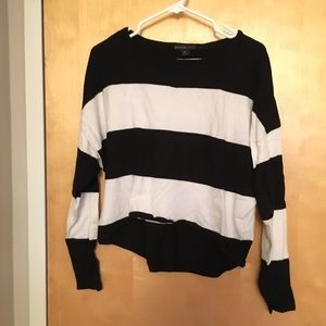 B&W cropped scoop neck sweater